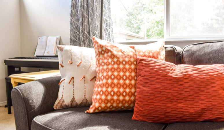 Make Your Own Easy Throw Pillow Covers!