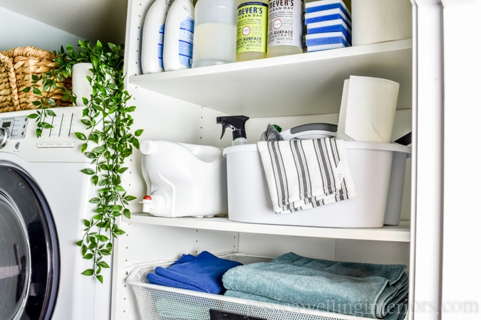 Small Laundry Room Makeover!