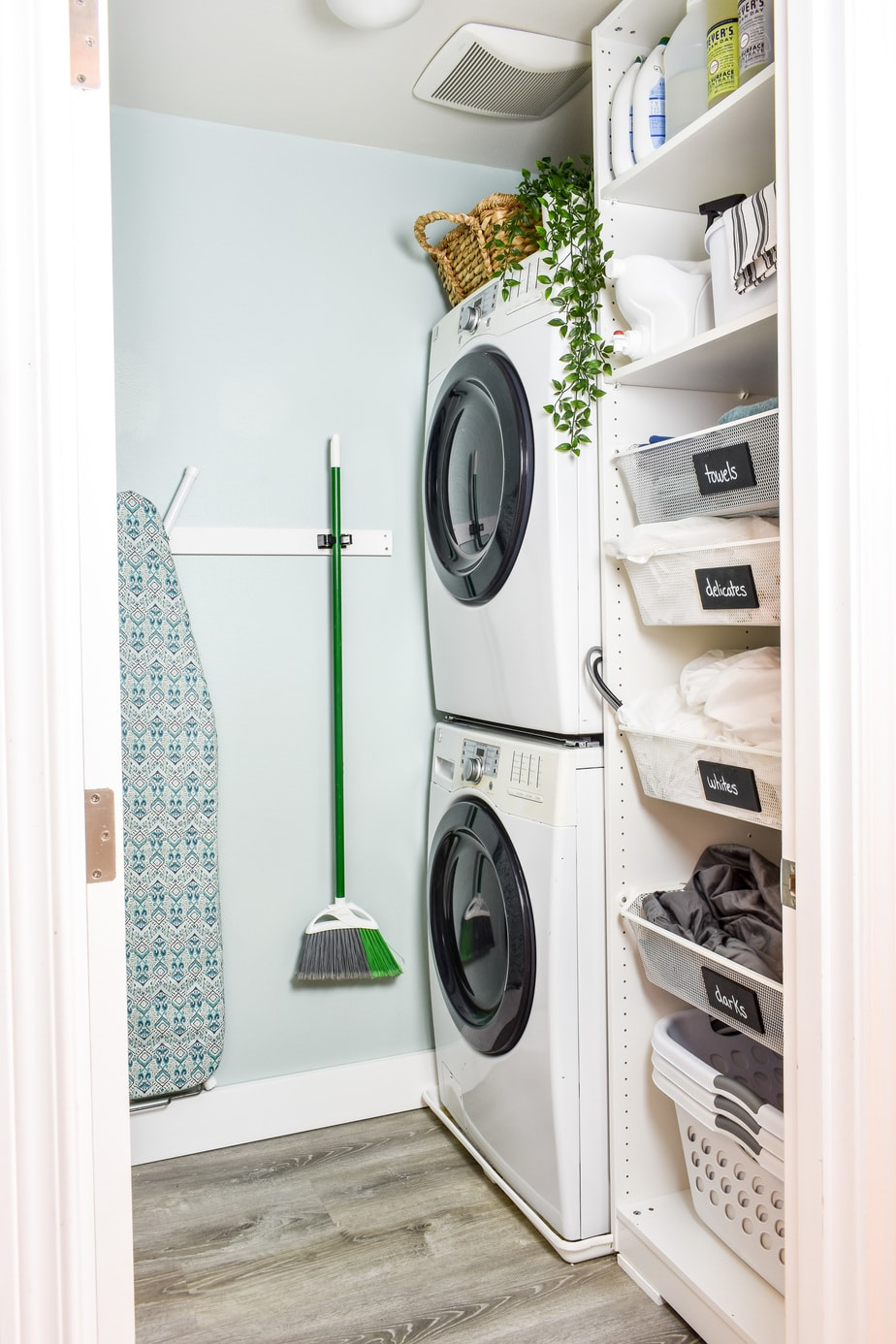 Small Laundry Room Makeover! - Jessica Welling Interiors
