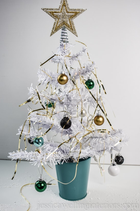 15 Mini Christmas Tree Decorating Ideas!