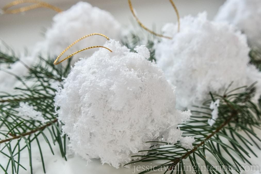 Fluffy Snowballs: Easy DIY Christmas Ornaments